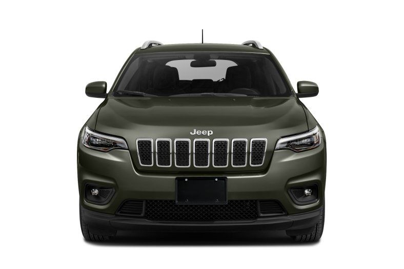 2021 Jeep Cherokee Latitude Lux front view