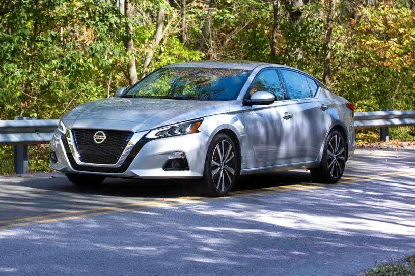 2021 nissan altima sr - review - price, features, cargo