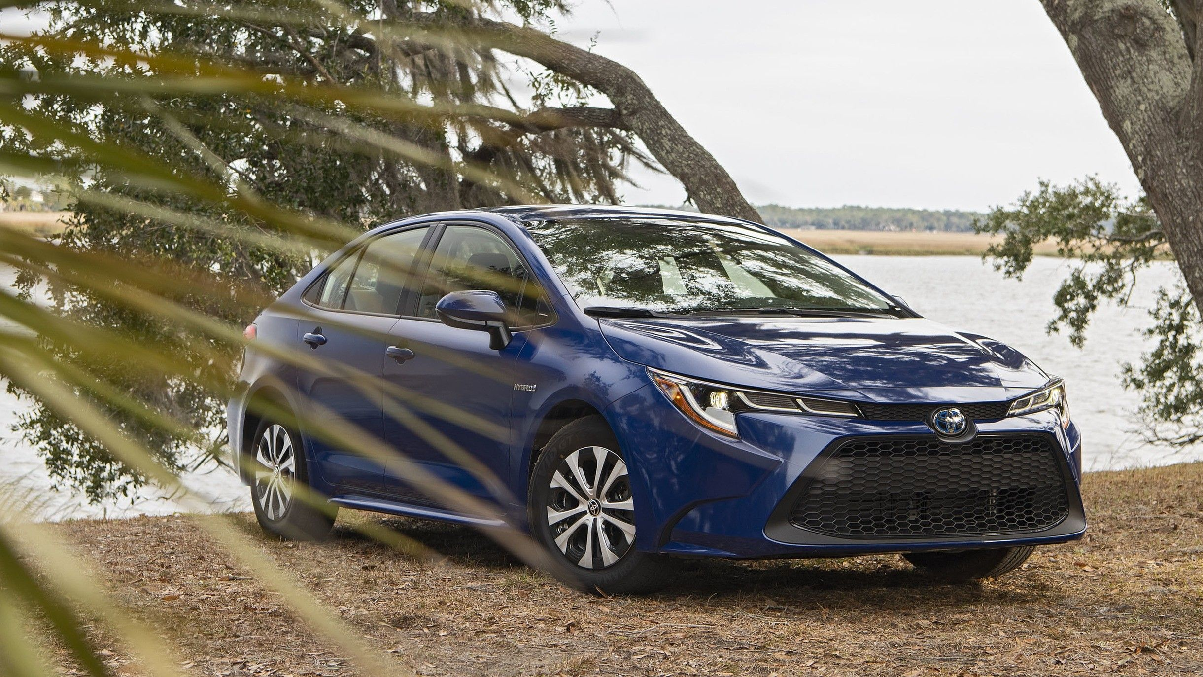 2021 toyota corolla hybrid review - price, range, charging