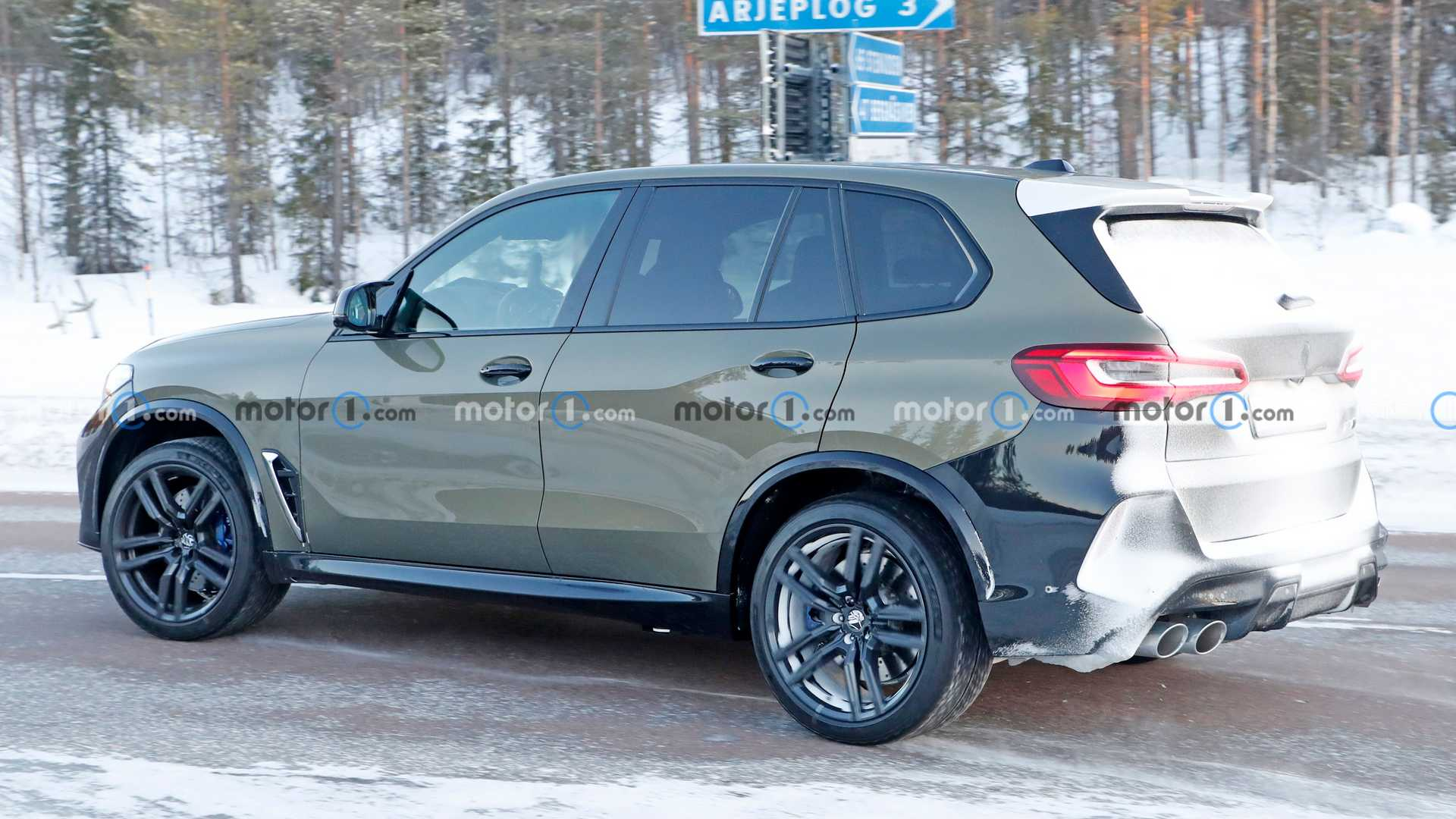 2022 BMW X5 M Spied With Updated Features