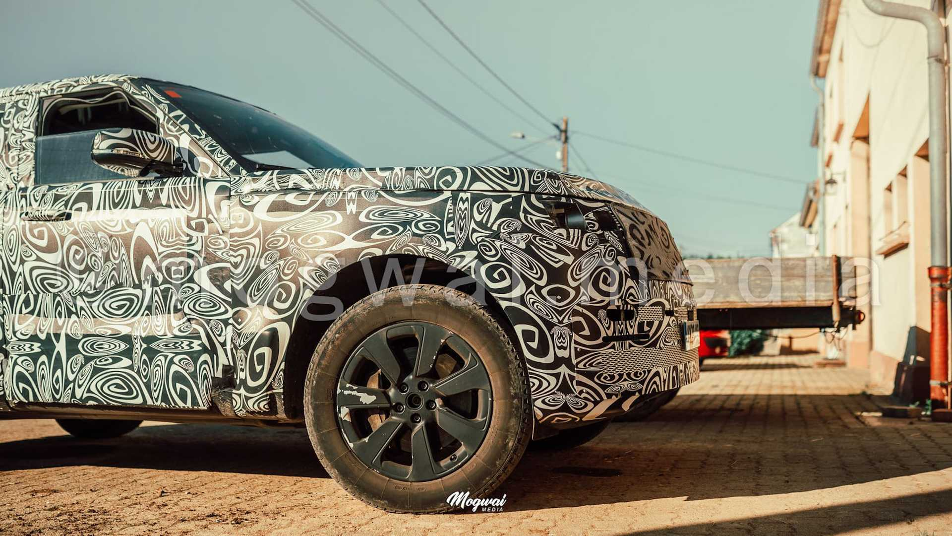 All-New 2023 Range Rover Spied Again