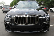 2020 BMW X7 M50i Front View