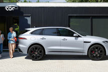 2021 Jaguar F-PACE R-Dynamic SE SUV Right Side View