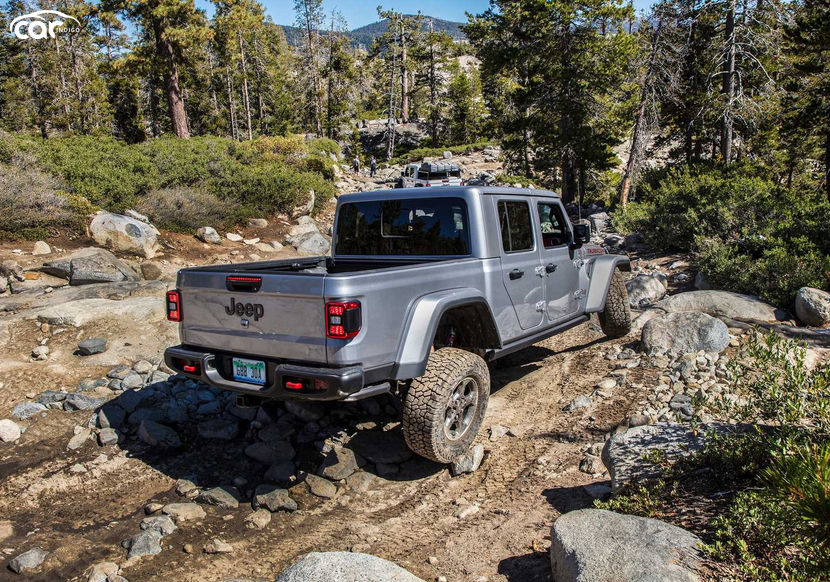 2021 jeep gladiator ecodiesel review- price, mpg, features